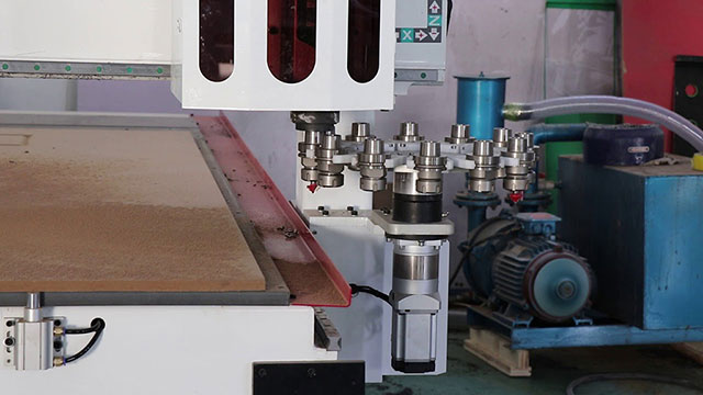 ATC CNC Router with 12KW Automatic Tool Changer Spindle